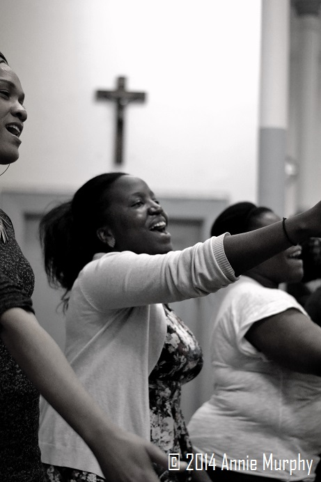 Depuis plusieurs années, Saryka est impliquée dans des chorales. Depuis un an, elle fait partie du Montreal gospel choir. Elle dit de sa passion pour le chant gospel : « Chanter, c'est prier deux fois »